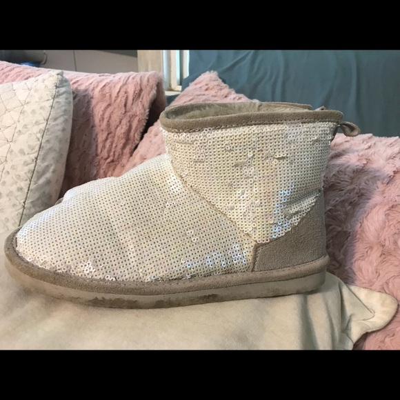 87120045aa1 VS PINK Cream Sequined Slipper Boots Ugg Style 7
